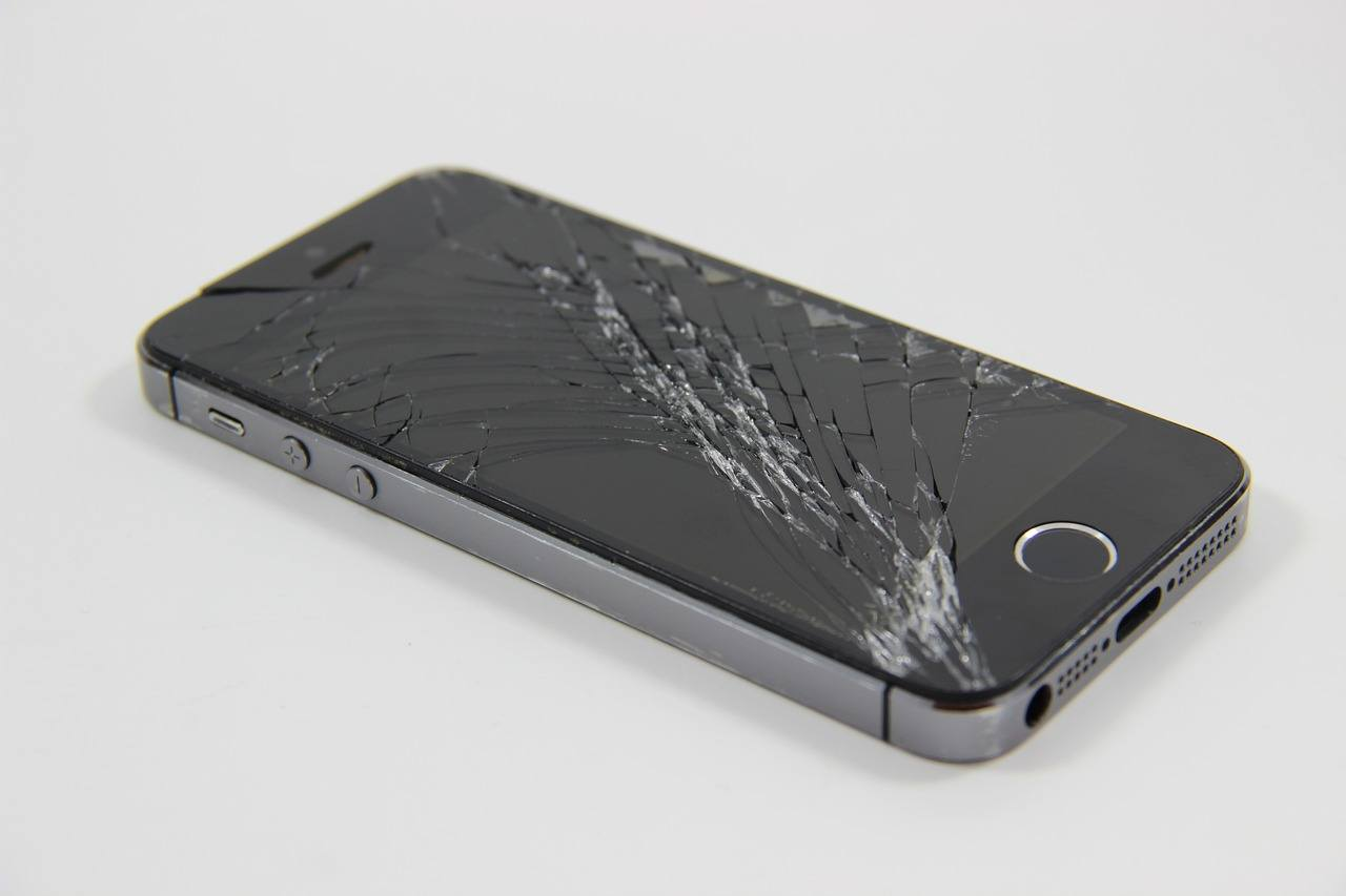 iPhone reparation i Valby og gode fifs